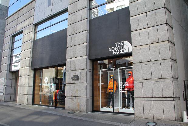 登山用の製品がそろう東京・原宿の旗艦店「ザ・ノース・フェイス・マウンテン」の外観