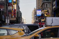 慢性的な渋滞が起こるニューヨークの繁華街(Bloomberg)