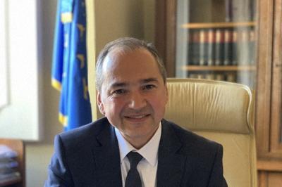 AfD候補を破ってゲルリッツ市長に就任したオクタビアン・ウルス氏=ゲルリッツで9月