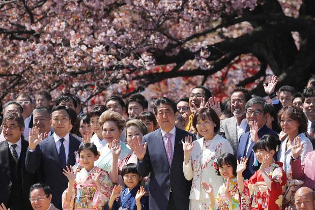 桜 を 見る 会 問題