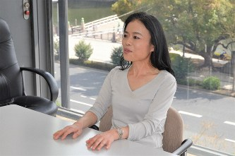 インタビューに答える片田珠美さん=2019年3月22日