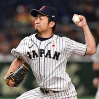 【日本―米国】力投する日本の三番手・嘉弥真=東京ドームで2019年11月12日、大西岳彦撮影