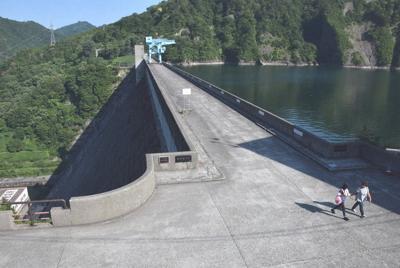 宮城刑務所の囚人が作業した現場で最大の田子倉ダム=福島県只見町で2019年8月18日午後3時20分、去石信一撮影