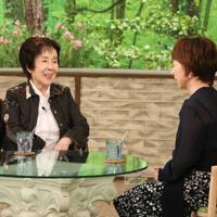 「サワコの朝」に登場する奈良岡朋子さん(左)=MBS提供