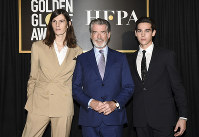From left, Dylan Brosnan, Pierce Brosnan and Paris Brosnan attend the Hollywood Foreign Press Association and The Hollywood Reporter celebration of the 2020 award season and Golden Globe Ambassador reveal at Catch LA on Nov. 14, 2019, in West Hollywood, California. (Photo by Dan Steinberg/Invision/AP)