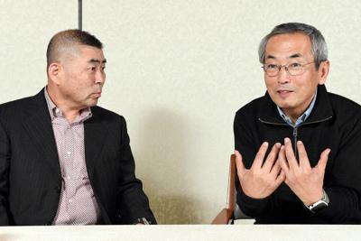対談する桂南光さんと料理研究家の土井善晴さん(右)=東京都千代田区で