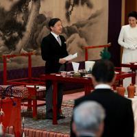 「大饗の儀」でお言葉を述べられる天皇陛下=皇居・宮殿「豊明殿」で2019年11月16日午後0時4分、小川昌宏撮影