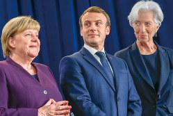 欧州のニューリーダーとして急速に存在感が高まる(中央がマクロン氏)(Bloomberg)