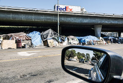 カリフォルニア州のホームレスは13万人を超えた(Bloomberg)