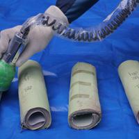 タイムカプセルから取り出され、放射能汚染の検査を受ける版画。異常に高い数値は検出されなかった=福島県双葉町で2019年11月22日午前11時22分、和田大典撮影