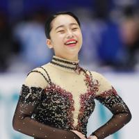 【NHK杯フィギュア】女子SPで演技終了後に笑顔を見せる山下真瑚=真駒内セキスイハイムアイスアリーナで2019年11月22日、貝塚太一撮影