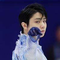 【NHK杯フィギュア】男子SPで演技する羽生結弦=真駒内セキスイハイムアイスアリーナで2019年11月22日、貝塚太一撮影