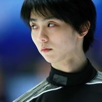 【NHK杯フィギュア】公式練習で一点を見つめる羽生結弦=真駒内セキスイハイムアイスアリーナで2019年11月23日、貝塚太一撮影
