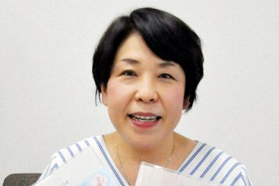 受験情報を一元管理できる手帳を考案した村上みゆきさん=東京都品川区で