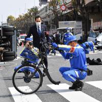 東京写真記者協会の一般ニュース部門(国内)奨励賞を受賞した「池袋母子死亡暴走事故 凄まじさ伝える自転車」=宮間俊樹撮影