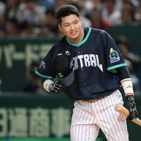 プロ野球オールスターのホームラン競争に出場した村上宗隆=東京ドームで2019年7月12日、梅村直承撮影