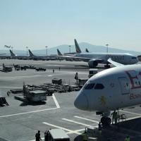 アフリカの玄関口エチオピア・アジズアベバのボレ国際空港。民間飛行機の数は今後20年間で約2倍になると予測=2019年10月(大仲幸作さん提供)