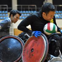 日本選手権に向けて実戦形式で練習する選手たち