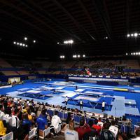 開幕したトランポリンの世界選手権=有明体操競技場で2019年11月28日、宮間俊樹撮影