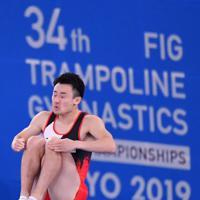 トランポリン男子個人予選、岸大貴の第1自由演技=有明体操競技場で2019年11月28日、宮間俊樹撮影