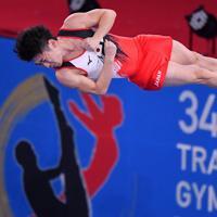 トランポリン男子個人予選、上山容弘の第1自由演技=有明体操競技場で2019年11月28日、宮間俊樹撮影