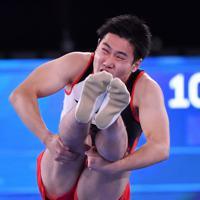トランポリン男子個人予選、堺亮介の第2自由演技=有明体操競技場で2019年11月28日、宮間俊樹撮影