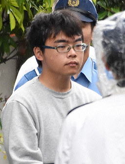 In this June 11, 2018 photo, Ichiro Kojima is transferred to the local public prosecutors' office from Odawara Police Station in Odawara, Kanagawa Prefecture. (Mainichi)