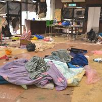 校内には各部屋に若者らが立てこもりの際に使った布団などが残されていた=香港理工大で2019年11月29日午後3時49分、福岡静哉撮影