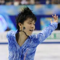 男子SPで躍動感あふれる演技を見せる羽生結弦=マリンメッセ福岡で2013年12月5日、貝塚太一撮影