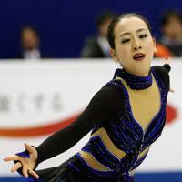 2年連続4回目の優勝を果たした浅田真央=マリンメッセ福岡で2013年12月7日、貝塚太一撮影