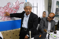 In this Nov. 16, 2018 file photo, Japanese doctor Tetsu Nakamura explains drought conditions in Afghanistan during a presentation at the offices of the Peshawar-kai organization in Fukuoka's Chuo Ward. (Mainichi/Atsushige Nakamura)
