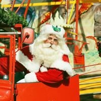 「イギリスの サンタさん(せかいサンタクロースかいぎ こうしき アンバサダー2019)」デンマーク(C)Akiko Tsunoda
