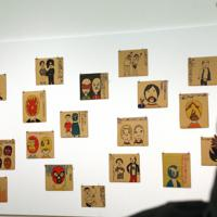 「ここから4」で展示されているマスカラ・コントラ・マスカラの作品=東京都港区の国立新美術館で2019年12月4日、岡本同世撮影