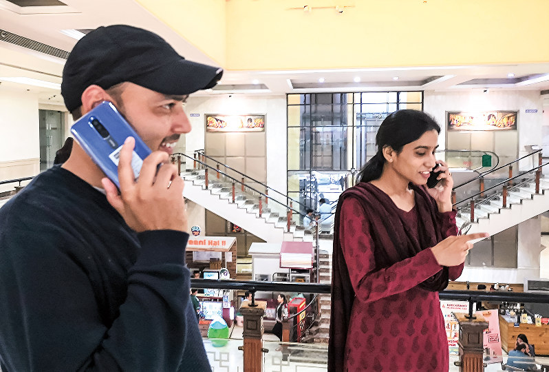 インドの通信料は世界最低水準とされる(NNA撮影)