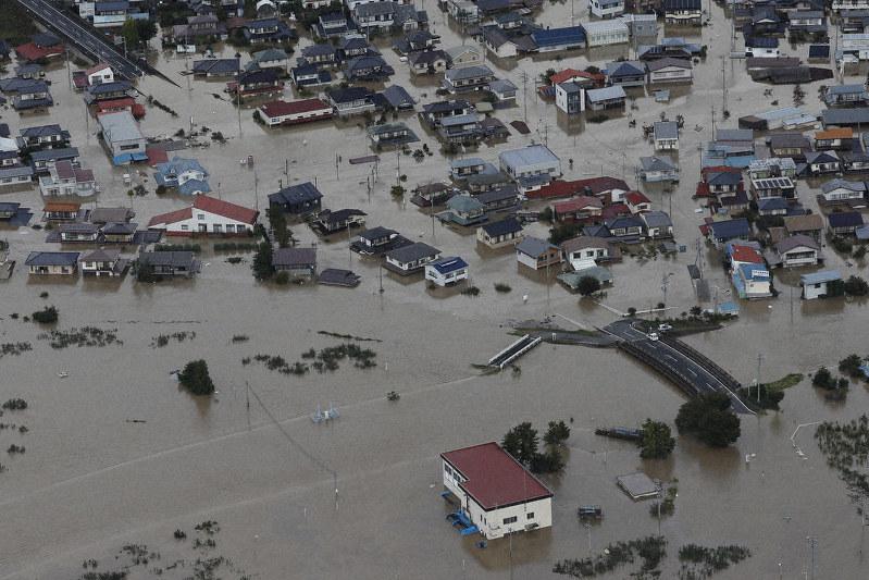 質問なるほドリ:異常気象増えるの? 平均気温1度上昇で日本の洪水 ...