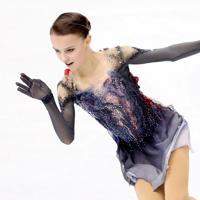 女子SPで3位につけたロシアのアンナ・シェルバコワの演技=イタリア・トリノのパラベラ競技場で2019年12月6日、貝塚太一撮影