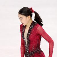 女子SPの演技を終えた紀平梨花=イタリア・トリノのパラベラ競技場で2019年12月6日、貝塚太一撮影