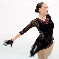 女子SPで2位につけたロシアのアリーナ・ザギトワの演技=イタリア・トリノのパラベラ競技場で2019年12月6日、貝塚太一撮影
