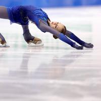 女子フリーで演技する、3位となったロシアのアレクサンドラ・トルソワ=イタリア・トリノのパラベラ競技場で2019年12月7日、貝塚太一撮影