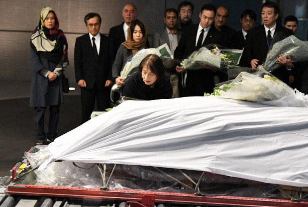 襲撃後、中村さん「大丈夫」 生存の運転手が証言 - 毎日新聞
