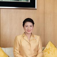 誕生日を前に写真撮影に臨まれる皇后雅子さま=東京都港区の赤坂御所で2019年12月3日(宮内庁提供)
