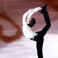 エキシビションで演技する羽生結弦=イタリア・トリノのパラベラ競技場で2019年12月8日、貝塚太一撮影