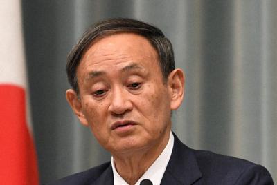 記者会見する菅義偉官房長官=首相官邸で2019年12月9日午前10時46分、丸山博撮影