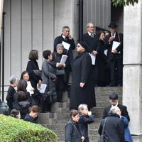 多くの人が弔問に訪れた中村哲さんの葬儀=福岡市中央区で2019年12月11日午前11時47分、田鍋公也撮影