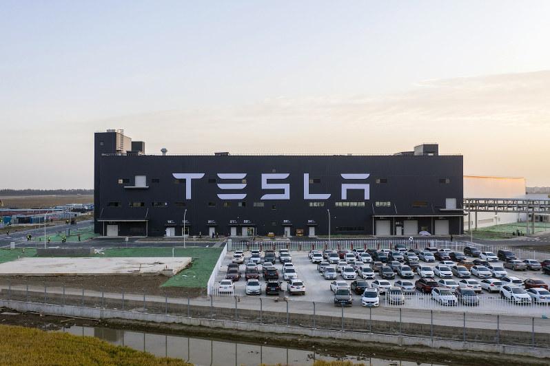 ドイツ車業界に追い風?(上海のギガファクトリー)(Bloomberg)