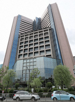 The National Cancer Center Hospital building. (Mainichi/Yoshiya Goto)