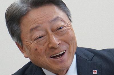 インタビューに答えるクリナップの竹内宏代表取締役社長=東京都荒川区で2019年12月2日