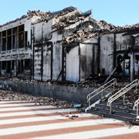 焼け焦げた首里城南殿=那覇市で2019年12月17日午後2時56分、遠藤孝康撮影