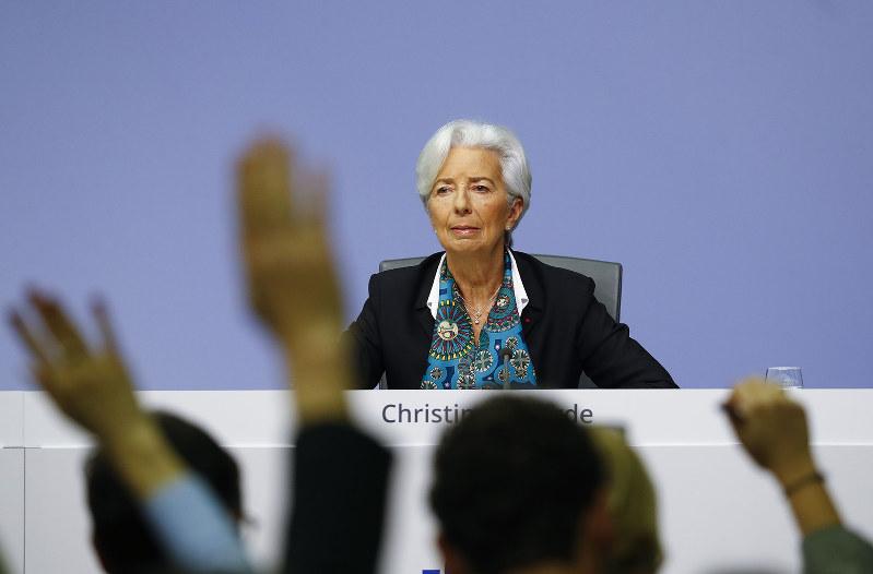 欧州銀行への警戒感を強める(ECBのラガルド総裁)(Bloomberg)