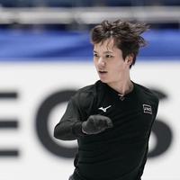 公式練習に臨む宇野昌磨=東京・国立代々木競技場で2019年12月19日、佐々木順一撮影
